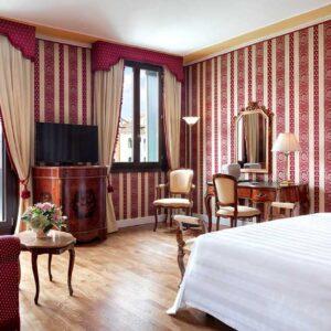Exclusive-Room
