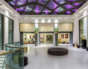 rosa-grand-mi-lobby-1.ff2b156a27030a91aae9ea771d829e22